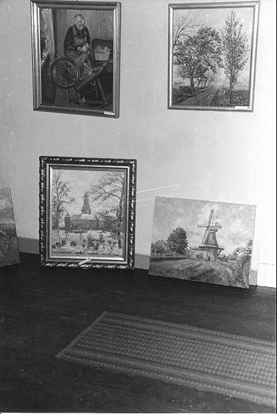 Vorbereitungen für die Ausstellung im Schlossmuseum Jever (Eulenturm) im November 1965